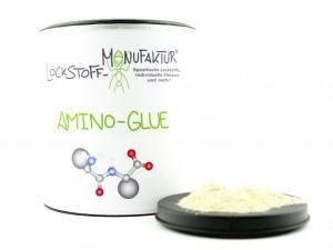 Streut man unseren Amino-Glue über Boilies, welche mit einem Liquid, Soak oder anderem flüssigen Additiv befeuchtet wurden, bildet sich eine klebrige Schicht voller Aminosäuren rund um die Boilies.
