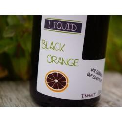 Durch die dunkle Farbe eignet sich dieses Liquid besonders für klare Gewässer und vorsichtige Karpfen.