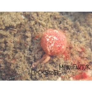 Im Wasser quillt unser Jellyfish auf und gibt, je nach gewählter Basis und anderer Komponenten, seine Lockstoffe, Attraktoren und Zusätze über einen kürzeren/längeren Zeitraum an das Wasser ab.