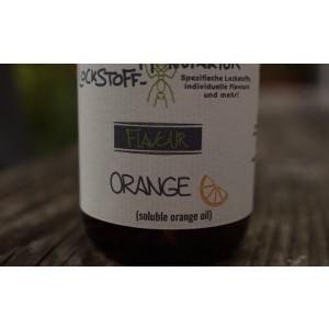 Vollkommen natürlich und gut für den Karpfen wahrnehmbar: soluble orange oil, ein spezielles Orangenöl für Boilies.