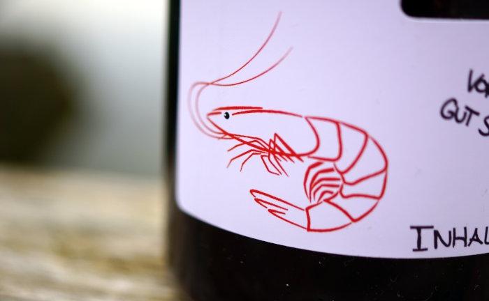 Shrimp B ist ein Liquid, das neben Belachan (fermentierte Garnelen) auch noch Chili Flakes enthält.